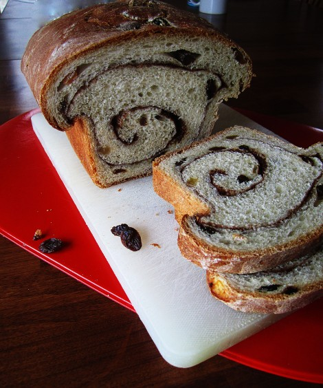 Cinnamon Raisin Swirl Bread | memo2munch