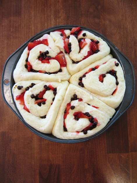 Chocolate Strawberry Sweet Rolls | memo2munch